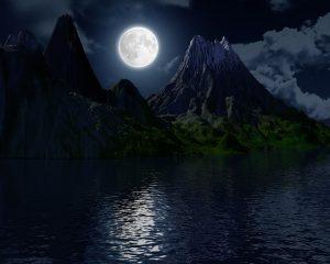 moon-2294996_640